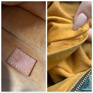 Louis Vuitton Bags - Authentic LOUIS VUITTON Monogram Denim Baggy GM 💙